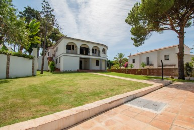 Fantastic villa to renovate Marbella