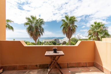 Fabulous Townhouse With Sea Views - Estepona