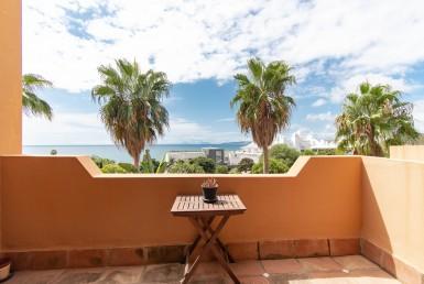 Fabulous Townhouse With Sea Views - Estepona
