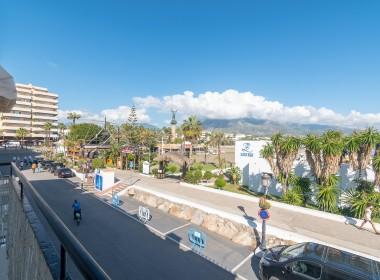 Beachfront Apartment in Puerto Banús